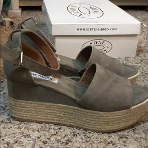 bc7505c6f10 Steve Madden Shoes - Steve Madden Apolo Wedges - taupe BRAND NEW